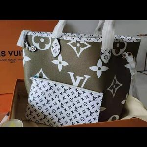 LV MM in olive green!